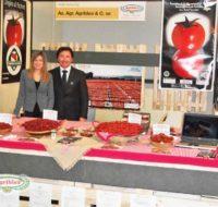 04a_agriblea_fiera_espositore_pomodori_secchi