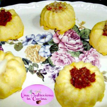 Sformato di polenta con capuliato (pomodori secchi tritati)