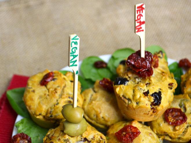 Muffin Senza Uova con pomodori secchi e olive