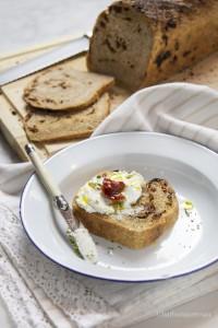 Pane integrale con pomodori secchi Agriblea by Barbara Torresan