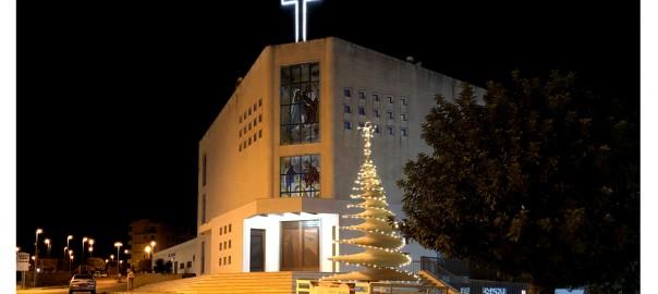 Albero di Natale nomade, si accendono le luci a Santa Caterina