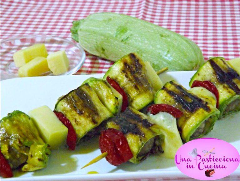 Spiedini di polpette, zucchine e ciliegini secchi
