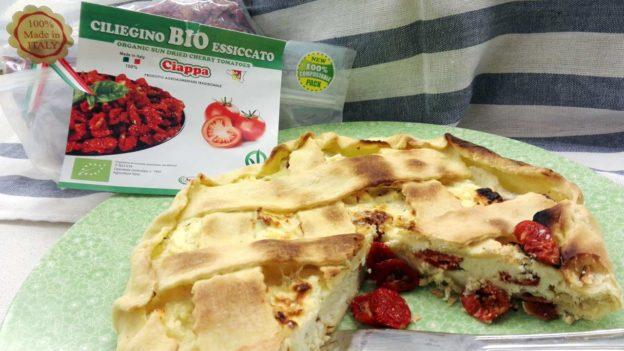 Crostata salata con ricotta e ciliegino secco bio