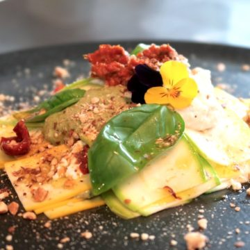 Lasagna raw estiva con pomodorini ciliegini bio essiccati