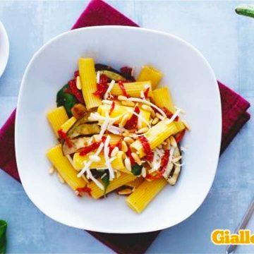 Insalata di pasta con melanzane e pomodori secchi - Video ricetta