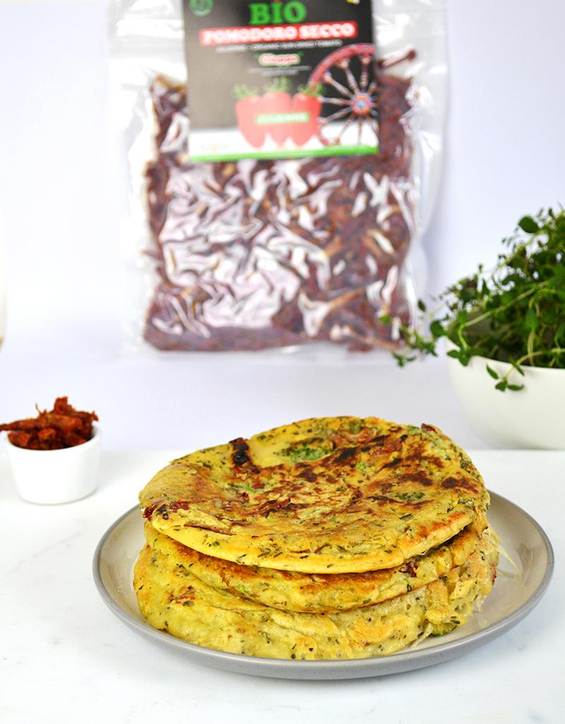 pancakes con julienne di pomodori secchi bio - ricetta gluten free
