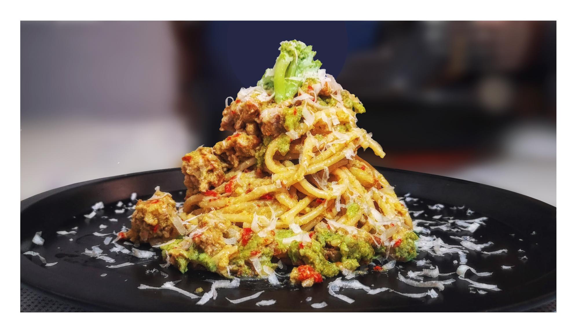 Pasta broccoli, salsiccia e capuliato (pomodori secchi bio)