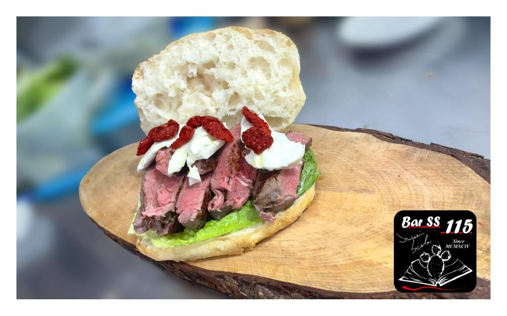 Panino con carne CBT e Pomodorini Secchi Bio